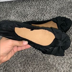 Black cotton on scrunched flats
